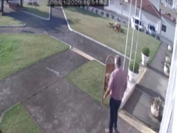 Vídeo mostra momento em que prefeito de Imbuia-SC é morto a tiros