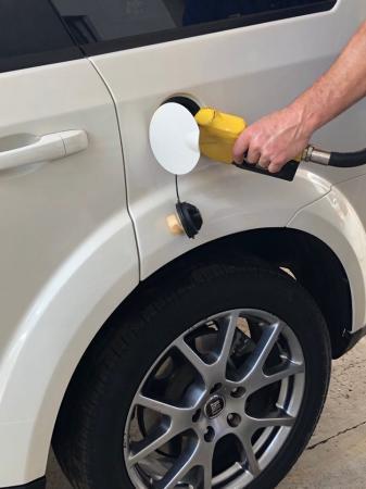 Aplicativo vai monitorar e comparar os preços da gasolina nos estados brasileiros
