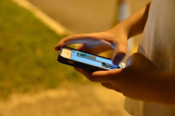Estudo aponta que brasileiros passaram 03h45min, em média, utilizando aplicativos em 2019