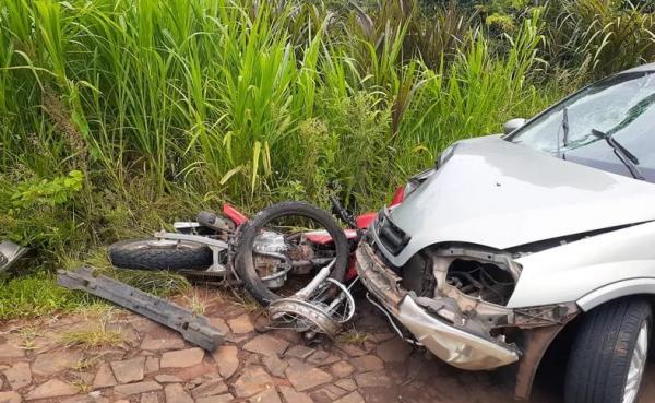 Vista Alegre: Colisão entre carro e moto provoca duas mortes