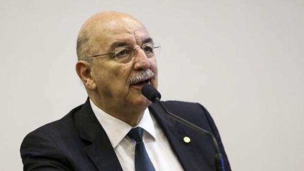 Deputado da região crítica medidas adotas para combater o Coronavírus
