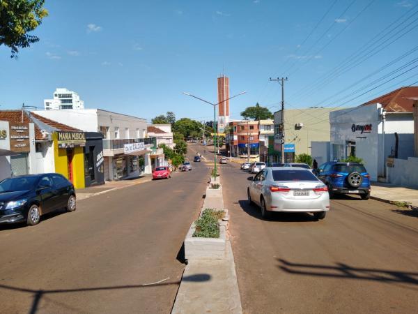 Início de semana com comércio fechado e ruas praticamente vazias em Tenente Portela