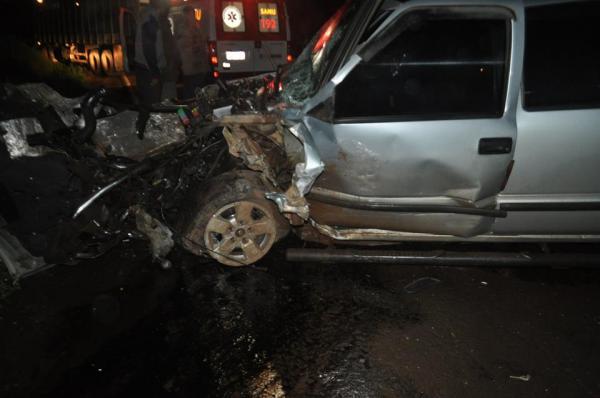 Duas pessoas morrem após colisão entre veículos em Tenente Portela