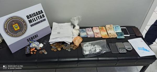 Mulher de 19 anos é presa por tráfico de drogas em Seberi