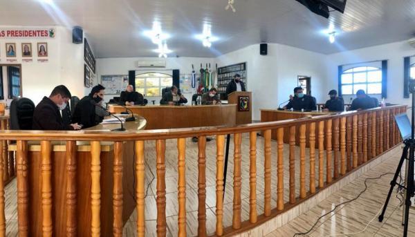 Vereadores cobram investimentos na infraestrutura de bairro em Coronel Bicaco