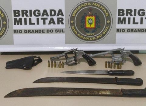 BM de Crissiumal prende indivíduos por roubo à residência