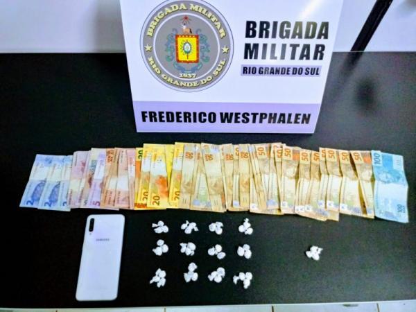Homem é flagrado vendendo drogas em Frederico Westphalen
