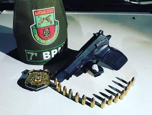 Homem é preso com arma de fogo e droga em Santo Augusto