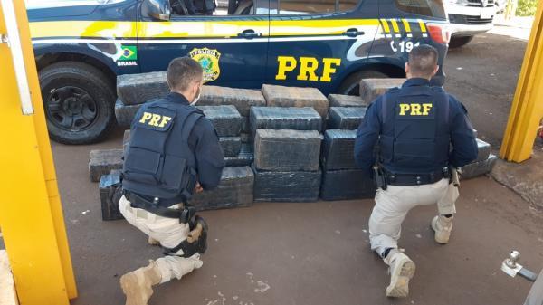 PRF apreende cerca de uma tonelada de maconha em Palmeira das Missões