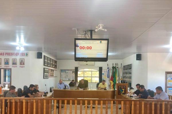 Projetos aprovados não alteram subsídios dos agentes políticos de Coronel Bicaco