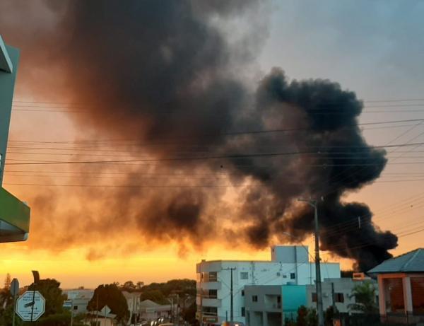 Incêndio em fábrica abandonada em Taquaruçu do Sul