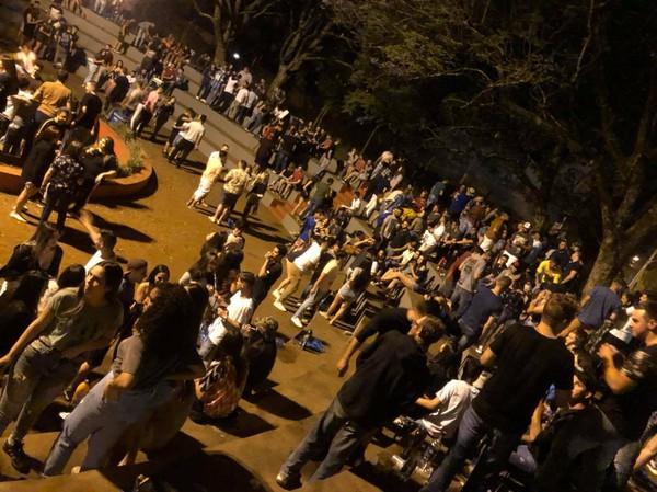 Após repercussão negativa, Prefeitura de FW suspende acesso à Praça da URI