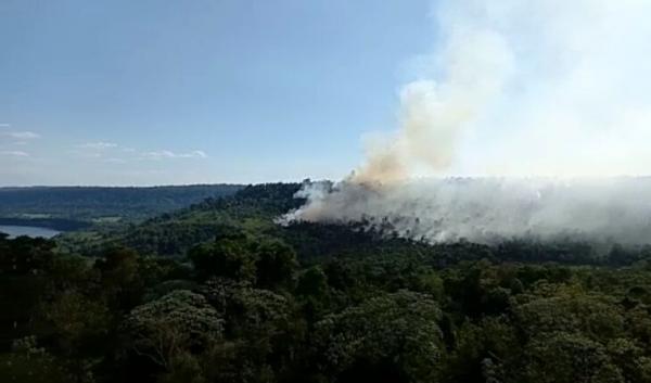 Incêndio no lado argentino deixa Parque Turvo em alerta