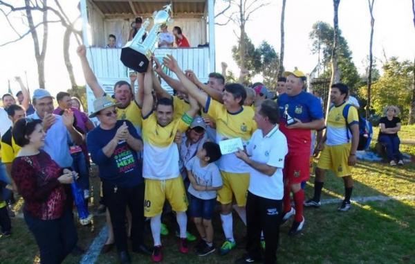 Vila Nova fatura o campeonato municipal de Redentora