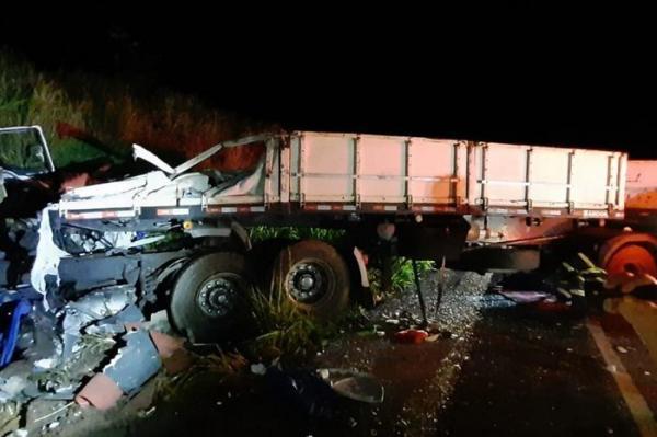 Acidente envolvendo ônibus com destino ao RS mata sete pessoas em São Paulo