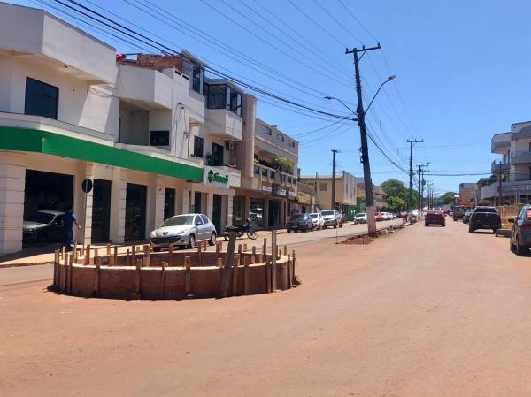 Coronel Bicaco: Rótula na avenida central ganhará relógio da Sicredi