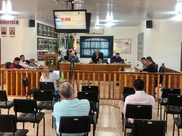 Edil cobra explicações quanto a falhas no serviço de telefonia móvel em Coronel Bicaco