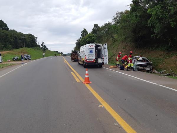 Camionete de Tenente Portela se envolve em grave acidente na BR 386