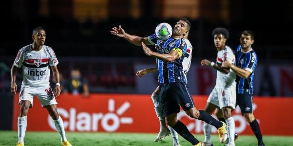Grêmio segura o São Paulo e vai à final da Copa do Brasil pela nona vez