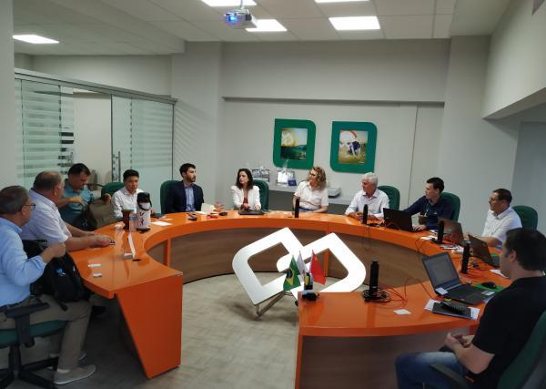 Cresol Tenente Portela fecha parceria internacional