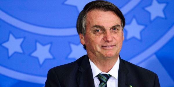 Cartão de vacinação de Bolsonaro terá sigilo por até 100 anos