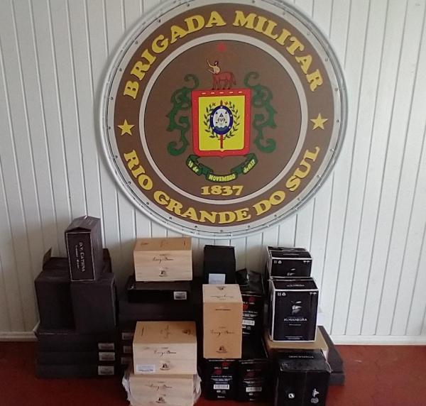 Brigada Militar de Três Passos apreende produtos de origem estrangeira