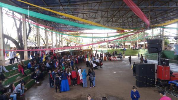 20ª RT promove gincana cultural no acampamento portelense