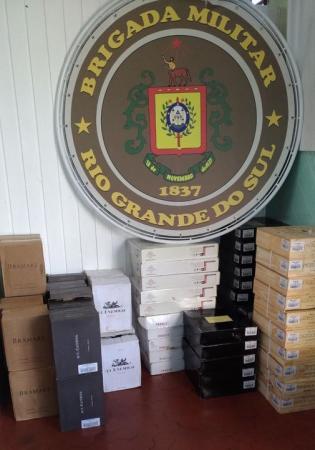 Campo Novo: BM apreende bebidas estrangeiras na BR 468