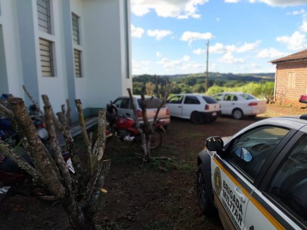 Derrubadas: Guarnição da BM dispersa aglomeração de pessoas em residência