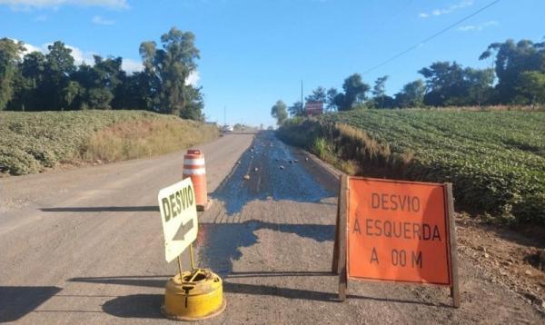 DAER dá continuidade no asfaltamento entre Palmitinho e Pinheirinho do Vale