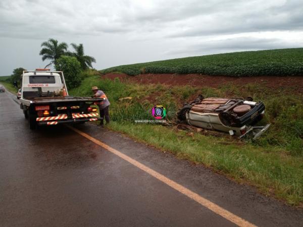 Veículo capotado é encontrado às margens da ERS 317 em Redentora