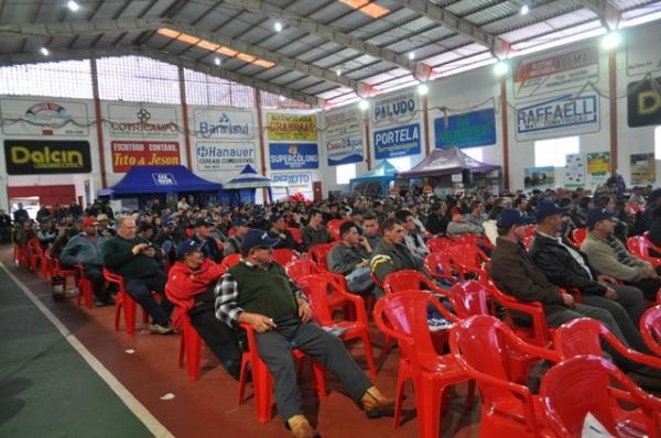 VII Seminário Regional da Atividade Leiteira é realizado com grande público em Tenente Portela